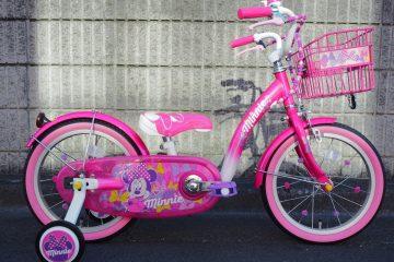 ♡ミニーマウスのキュートな幼児車♡